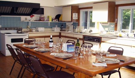 kitchen_table-450x260